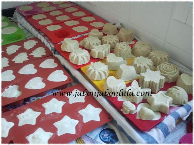 Jabones de Eneldo en moldes de silicona