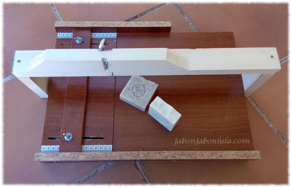 cortador de jabon, como hacer jabon casero, jabones naturales, jabon de castilla, jabones de aceite de oliva, tienda ecologica